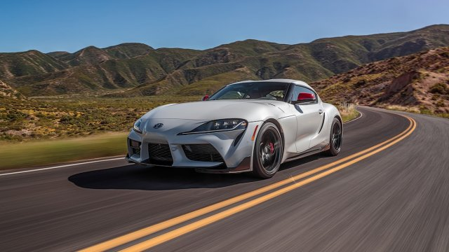 2020-Toyota-Supra-Launch-Edition-around-curve.jpg