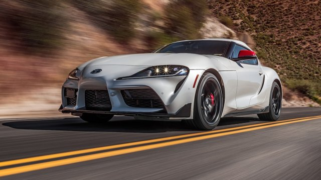 2020-Toyota-Supra-Launch-Edition-front-motion-view-2.jpg