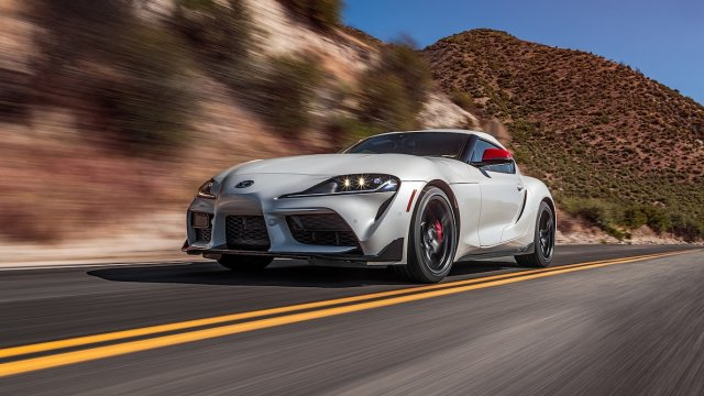 2020-Toyota-Supra-Launch-Edition-front-motion-view-3.jpg