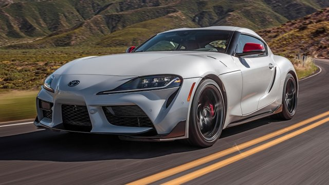 2020-Toyota-Supra-Launch-Edition-front-side-view-motion-1.jpg