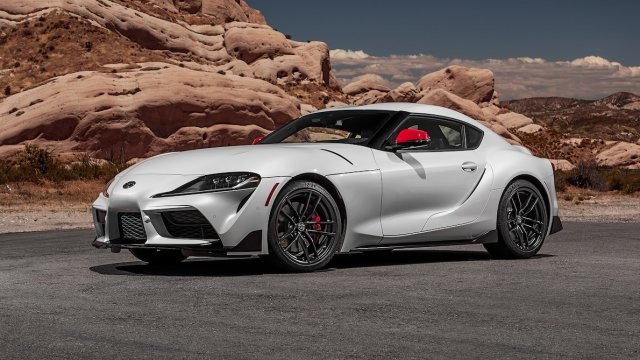 2020-Toyota-Supra-Launch-Edition-front-side-view-parked.jpg