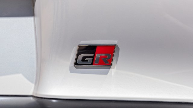 2020-Toyota-Supra-Launch-Edition-GR-badge.jpg