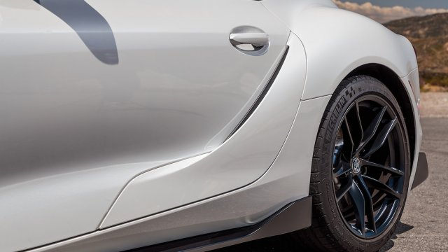 2020-Toyota-Supra-Launch-Edition-rear-vent.jpg